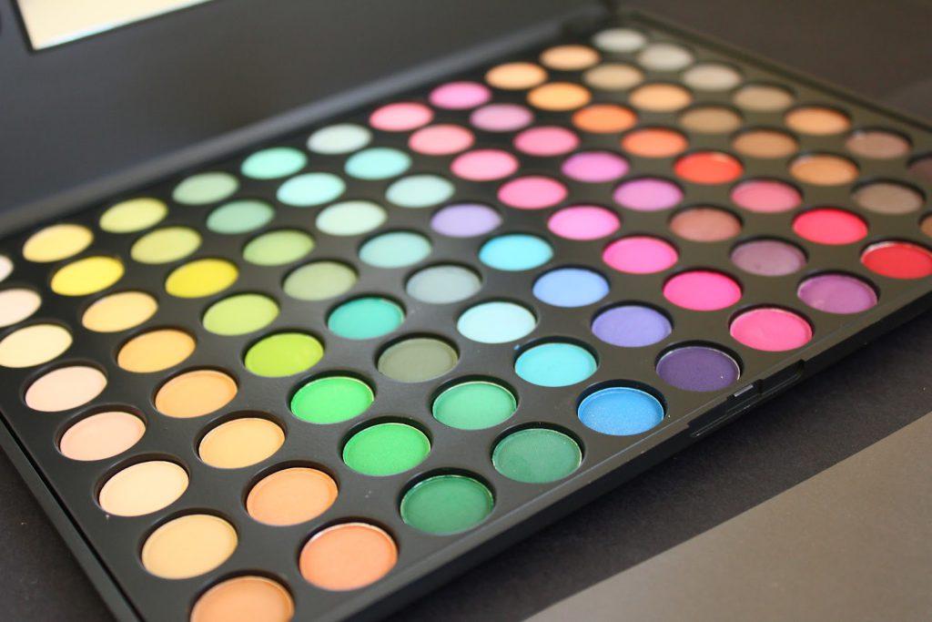 Mac Vs Makeup Geek Eyeshadows