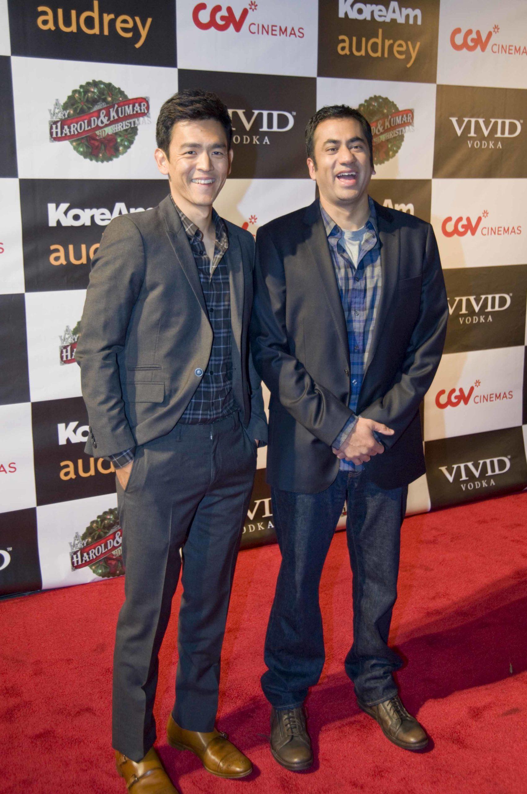 John Cho Kal Penn Harold and Kumar Red Carpet Screening